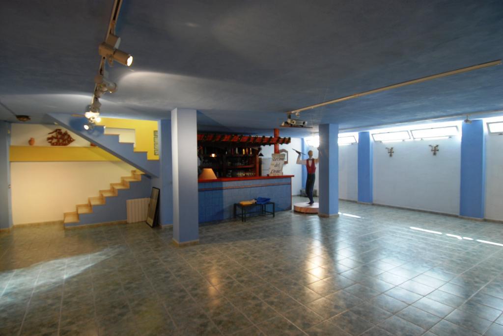 Velikolepnaya villa na beregu morya v gorode Alikante - N3297 - vikmar-realty.ru