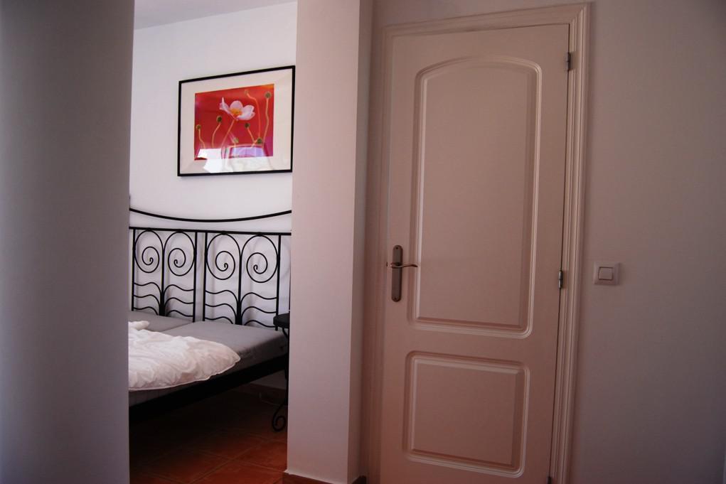 Komfortabelny zhiloy dom v Kalpe, Ispaniya - N3457 - vikmar-realty.ru