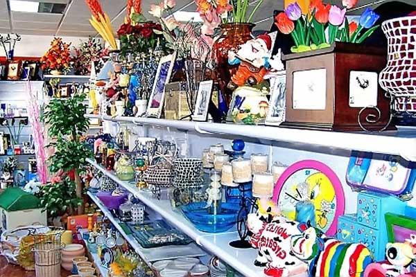 Kupit magazin suvenirov v Barselone v tsentre Eshample v Ispanii - N3517 - vikmar-realty.ru