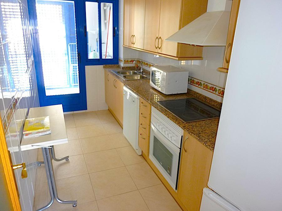 Prostornyye apartamenty nedaleko ot morya v Benidorme - N1378 - vikmar-realty.ru