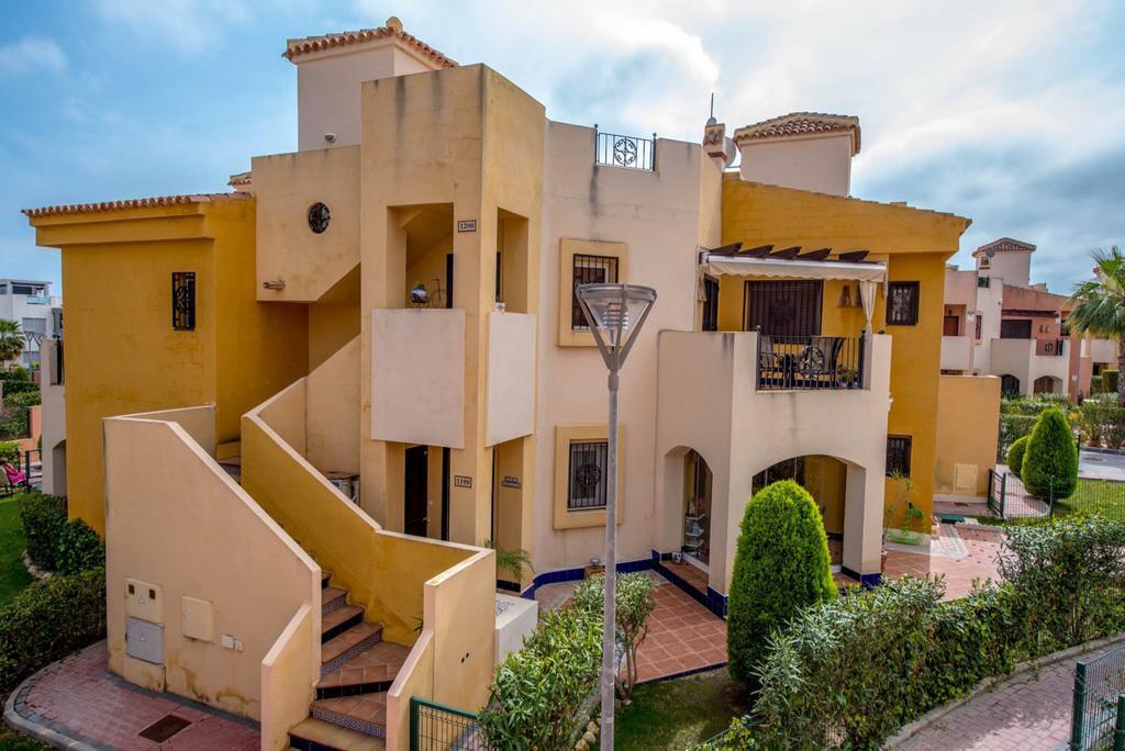 Zamechatelnaya kvartira-bungalo v zakrytoy urbanizatsii Punta Marina goroda Torrevyekha - N1488 - vikmar-realty.ru