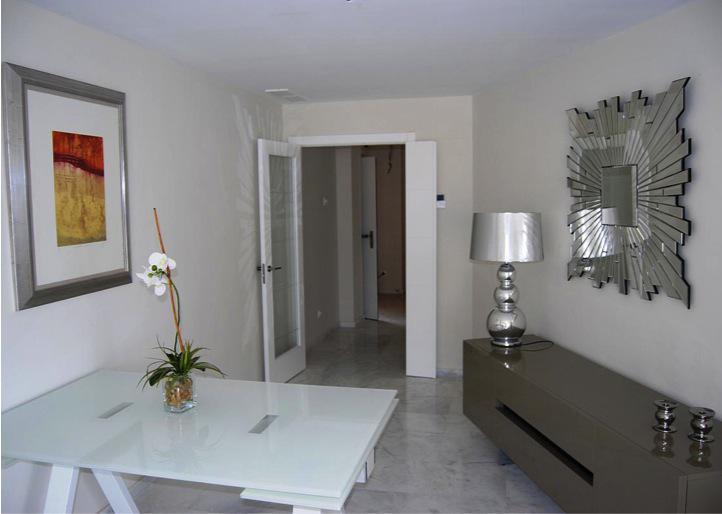 Prekrasnyye apartamenty v Marbelye s ogromnoy terassoy - N2918 - vikmar-realty.ru