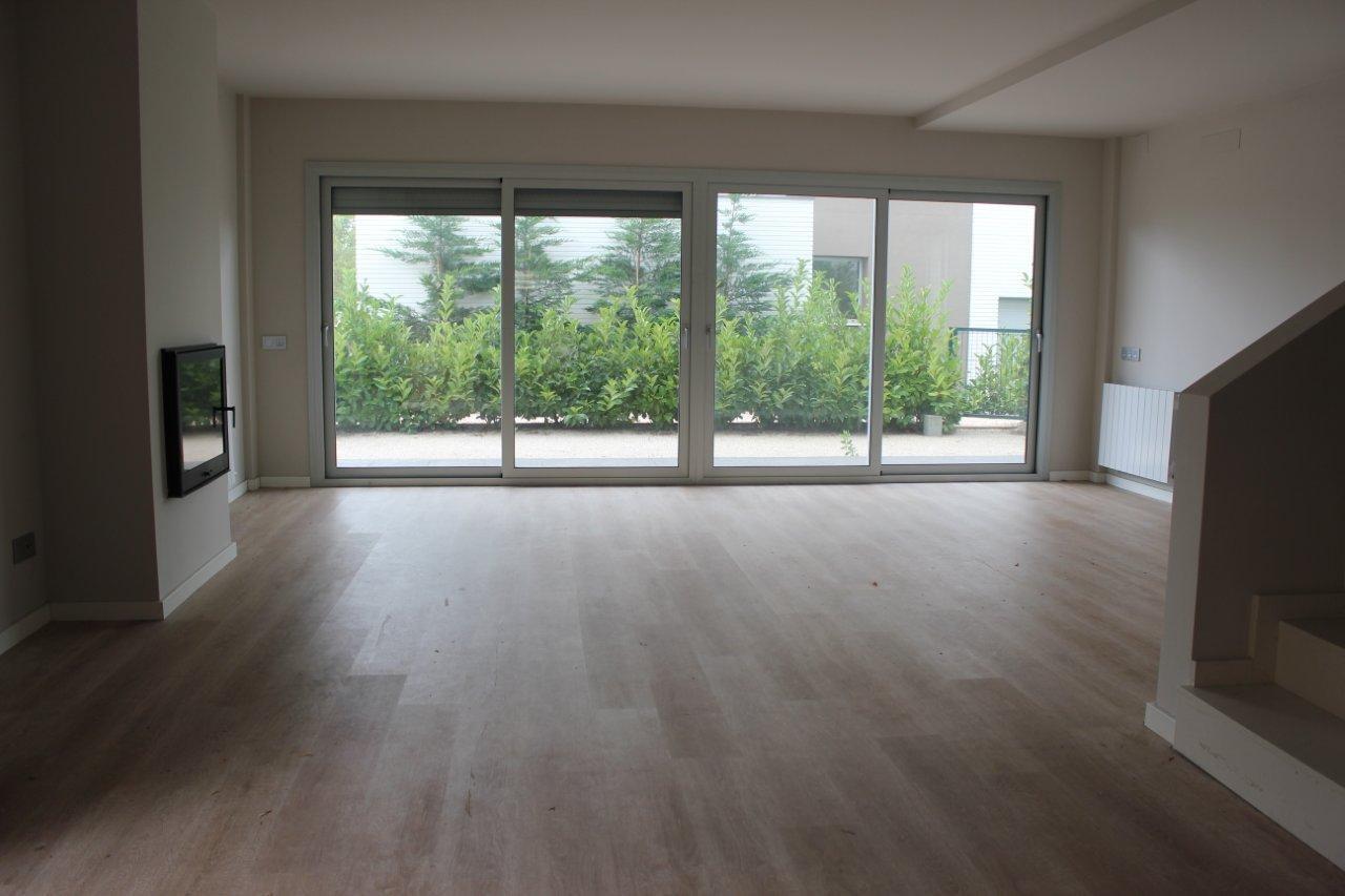 3 novykh doma v prigorode Barselony v gorode Alelya (Alella) - N3288 - vikmar-realty.ru