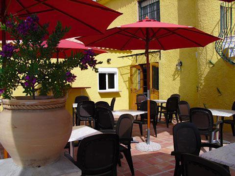 Gotovy biznes  v Ispanii - prodayetsya restoran  s mini-otelem v Kalpe - N1349 - vikmar-realty.ru