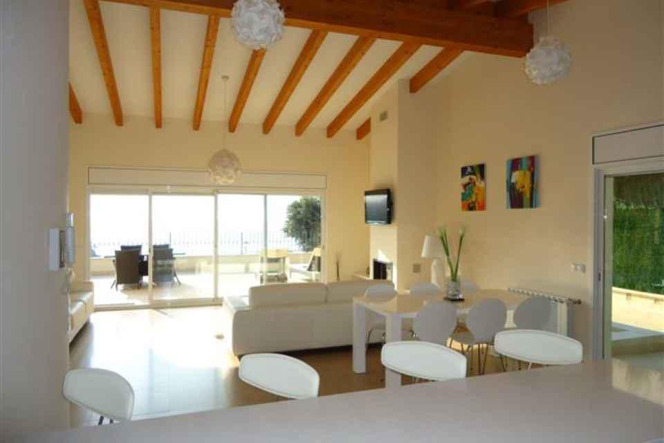 Komfortny dom v Lloret de Mar s vidami na more v bukhte Canyelles - N1829 - vikmar-realty.ru