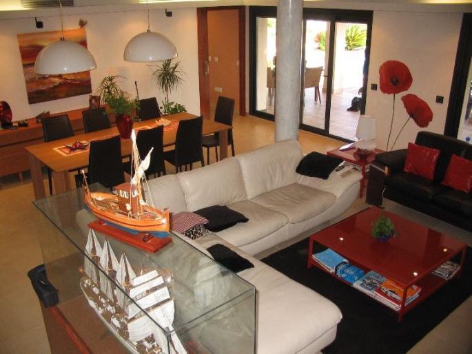 Elitnaya villa v Rosese na kanale so svoim prichalom - N2349 - vikmar-realty.ru