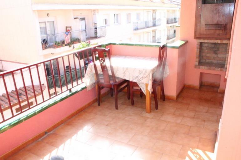 Komfortabelnaya kvartira v Roses s udobnoy planirovkoy - N3559 - vikmar-realty.ru