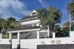 Продажа дома в Бадалоне ближнем пригороде Барселоны в Испании - №3510