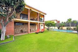Комфортабельный дом на Коста-дель-Маресме в Кабрилс в Испании - №3525