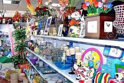 Купить магазин сувениров в Барселоне в центре Эшампле в Испании - №3516