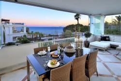Квартиры апартаменты класса люкс в урбанизации «Doncella Beach» в Эстепоне, Испания - vikmar-realty.ru