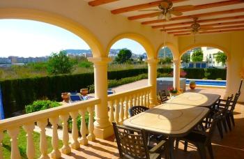 Недвижимость в Испании на побережье у моря