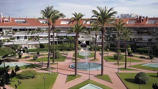 Жилой комплекс с элитными апартаментами в Испании в Ситжесе на побережье Коста-дель-Гарраф