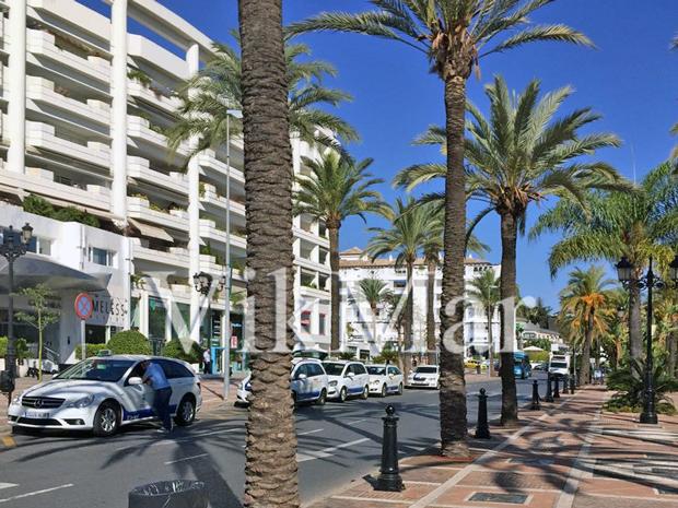 Проспект Хосе Бануса в курортном районе Марбельи