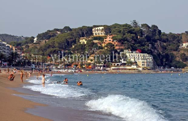 Жилая застройка в курортной зоне Playa de Lloret в Ллорет де Мар