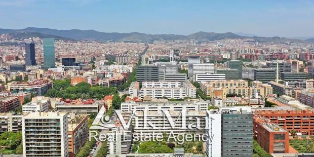 Панорама района Диагональ Мар в Барселоне