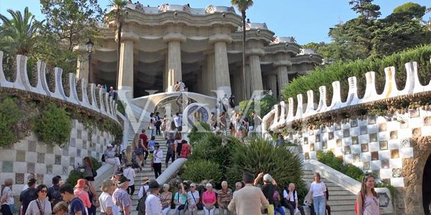 Многие эксперты испанской недвижимости считают район Грасия, Побленоу, Сарриа-Сант Жерваси, Эль Борн и Эшампль лучшими районами для жизни и сезонного отдыха в Барселоне