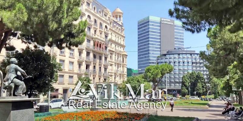 Обзор цен и предложений квартир апартаментов на продажу в Верхней Барселоне в округе Саррия - Сант Жерваси