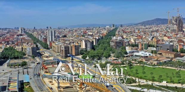 Строительные краны новостроек Барселоны