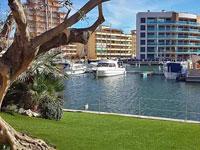 Недвижимость в Росесе (Rosas / Roses) в районе Санта Маргарита, Испания, для россиян: комфортабельные квартиры, дома и виллы у моря на средиземноморском побережье Коста Брава в провинции Жирона - продажа
