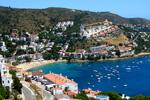 Испания признанный лидер курортной индустрии. Курортная недвижимость в Испании ценится, потому что притягивает к себе любителей пляжного отдыха со всей Европы. В статье даны зависимости стоимости недвижимости в Испании для покупки и аренды.
